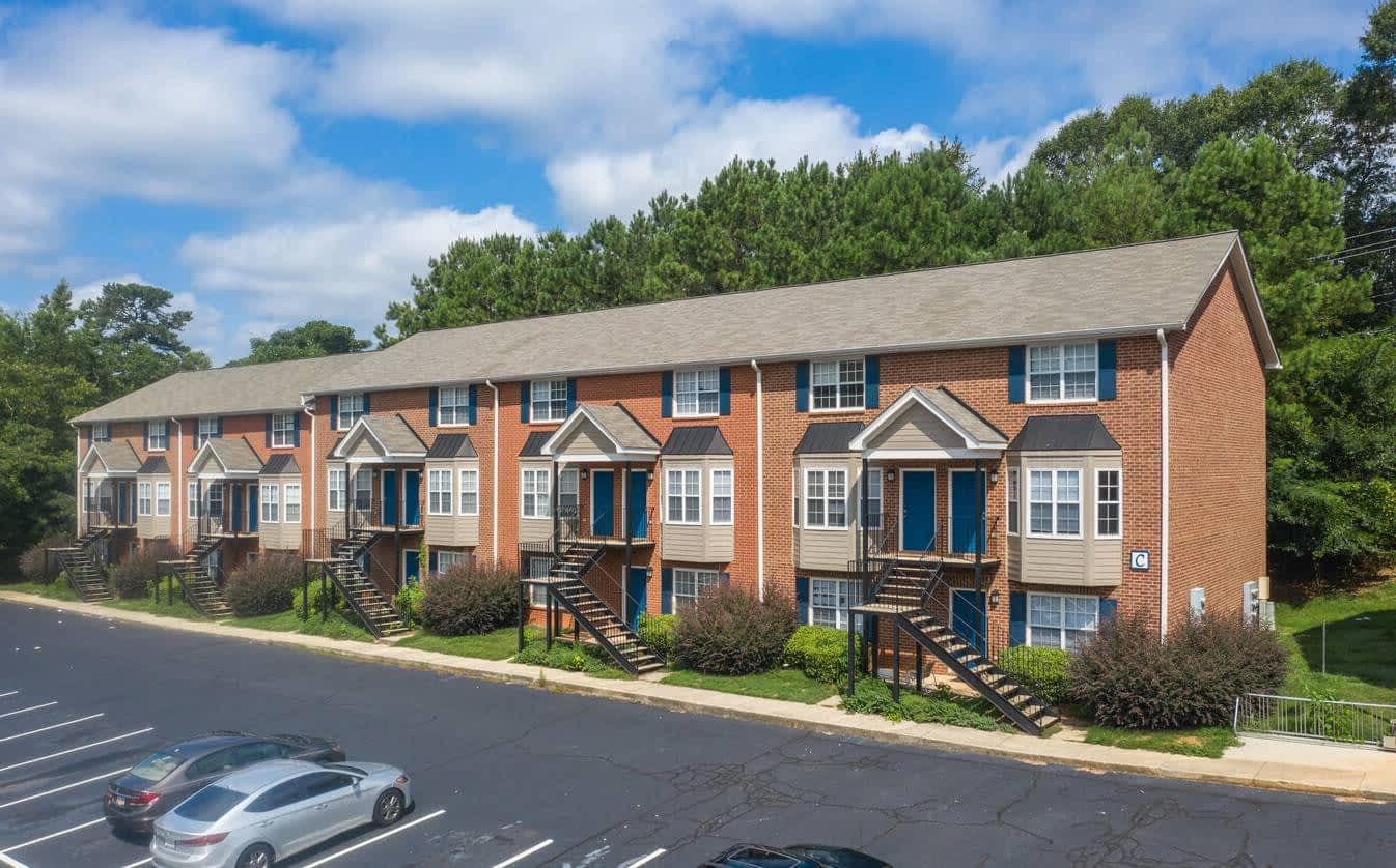 River Oaks Apartments, Bulldog Crossing - multifamily sale - 148 Old Will Hunter Rd, Athens, GA 30606