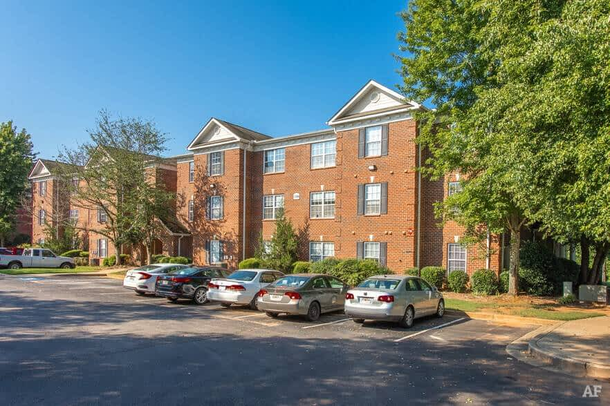 Hawks Nest at the Preserve - Student Housing/Co-Living - Stabilized - multifamily - 2745 Campus Pointe Cir, Gainesville, GA 30504
